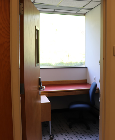 Photo of study carrel for faculty.